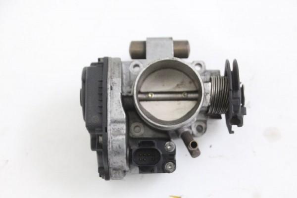 Drosselklappe VW VENTO 037133064 1.6 74 KW 101 PS Benzin 06-1997 gebraucht