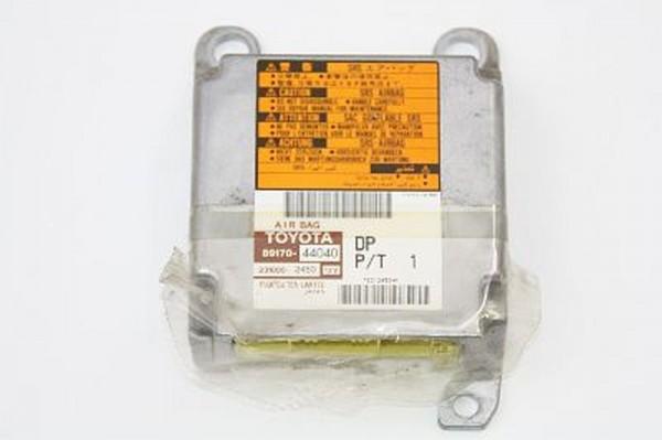 Airbagsteuergerät Toyota AVENSIS 2 VERSO 8917044040 2310002450 2.0 12-2001 gebraucht
