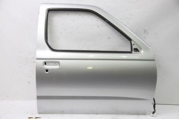 Tür für Nissan PICK UP D22 vorn rechts H0101VK9MM H0101VJ9MM Silber 07-2002 gebraucht