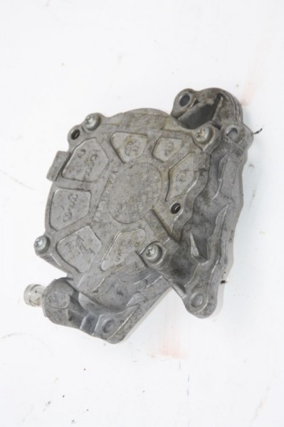 Vakuumpumpe Skoda OCTAVIA 1Z Combi 03L145100C BOSCH 1.6 77 KW 105 PS Diesel gebraucht