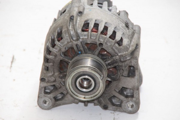 Lichtmaschine DACIA DUSTER 231007707R 150A VALEO 1,5 81 KW 110 PS Diesel 07/2013