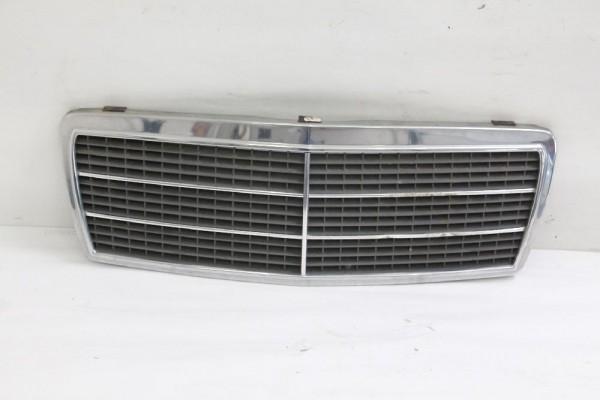 Kühlergrill Mercedes C-KLASSE W202 2028800383 2028880323 01-1995 gebraucht
