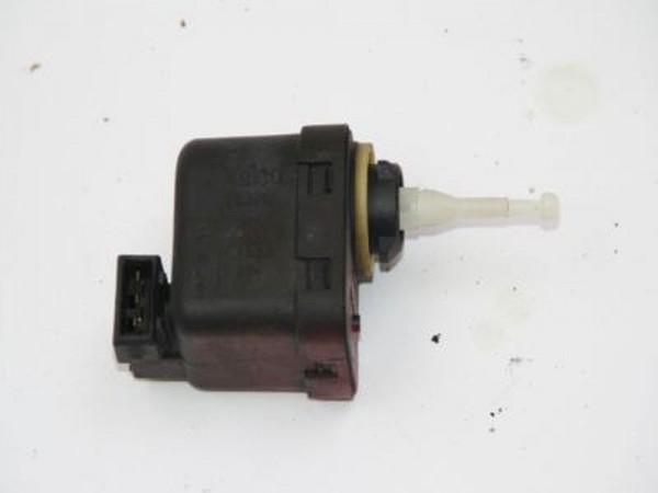 Stellmotor Scheinwerfer Seat CORDOBA 6K5941295 01-1998 gebraucht