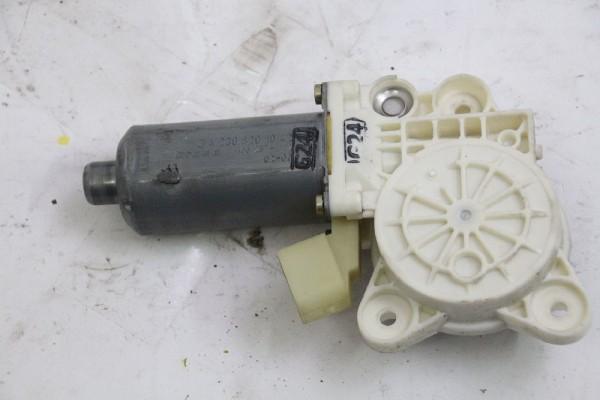 Fensterhebermotor Mercedes VANEO 414 vorn links 0130821921 2208204542 04-2002 gebraucht