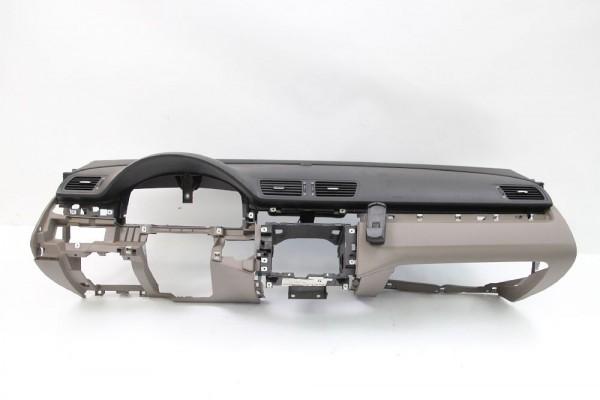 Armaturenbrett VW PASSAT Variant 3C 3C1819634H 3C1857004Q 10/2006